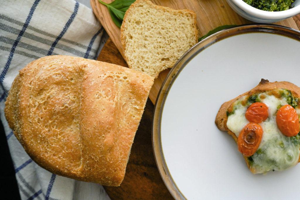 شكل خبز الكيتو باستخدام دقيق اللوز